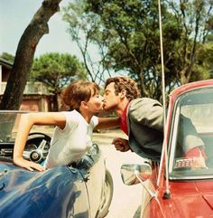 Jean-Paul Belmondo & Anna Karina kissing in cars, 'Pierrot Le Fou,' 1965 Anna Karina, Francois Truffaut, French New Wave, French Movies, Jean Luc Godard, Film Inspiration, Film Aesthetic, Catherine Deneuve, Independent Films