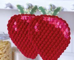 "Point de Crochet ""Strawberry"" - Tutorials - Crochet et plus.Crochet et plus… Knitting Blogs, Knitting Patterns, Crochet Patterns, Crochet Kitchen, Crochet Home, Easy Yarn Crafts, Diy And Crafts, Diy Yarn Holder, Crochet Strawberry"