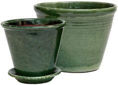 Gränsforskrukorna har behållit sin fina form sedan 1800-talet. Krukorna tillverkas av lera från trakten och får sin karakteristiska terrakottafärg tack var