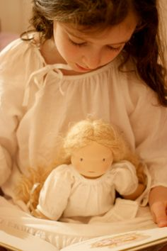 Nils & Happy to see you / Collection / Chemise de nuit Pretty girl and her doll