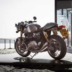 Review: New Triumph Bonneville T120 and Thruxton R