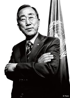 Ban Ki-Moon, Secretary General of the United Nations - ) ~ photographed by Platon Ban Ki Moon, Royal College Of Art, Influential People, Ap Art, Male Poses, Black And White Portraits, Creative Portraits, Black N White, World History