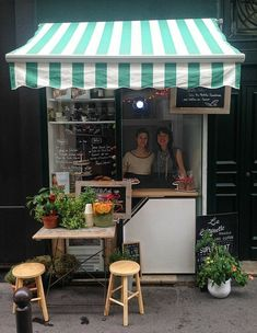 Wonderful Useful Tips: Coffee Poster Ads coffee shop london. Cafe Shop Design, Kiosk Design, Cafe Interior Design, Café Restaurant, Restaurant Design, Deco Cafe, Mini Cafe, Small Coffee Shop, Decoration Evenementielle