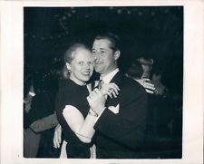 1948 Actor Don Ameche Dances With His Wife Honore Wire Photo Don Ameche, Celebrity Couples, Legends, Wire, Dance, Actors, Best Deals, Celebrities, Ebay