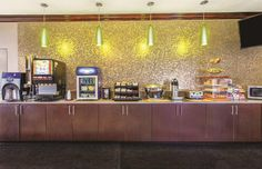 Tampa Hotels, La Quinta Inn, Continental Breakfast, Cruise Port, Tampa Florida, Outdoor Pool, Wi Fi, Photo Galleries, Laundry