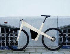 Prototype E-Byke par Kasper de Backer - Journal du Design E Bicycle, Wooden Bicycle, Wood Bike, Recumbent Bicycle, Velo Design, Bicycle Design, Scooters, Kids Scooter, Fixed Bike