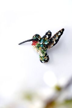 Mini Hummingbird in flying pin Hand embroidered beige green red black Hummingbird jewelry Small Bird brooch unique Costume brooch animal pin