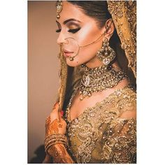 WEBSTA @ thepakistanibride - Doing a mini feature of my favourite bride at the moment! @ojalaxmehreen all dolled up by @lubnarafiq #thepakistanibride