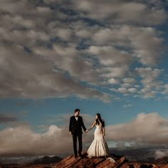Your Jubilee Engagement: Horseshoe Bend  #yourjubilee #theyjlife #Yjwedding #arizonawedding #weddingdress  #fairytalewedding #azbride #engagementphotos #arizonaengagement #horseshoebend