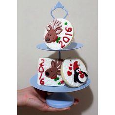 """""""Yılbaşı kurabiyeleri  #yılbaşı #gelintacı #yeniyıl #gelinçiçeği #gelinbuketi #nişan #2016 #gelin #bride #masaörtüsü #party #love #flower #çiçek…"""""""