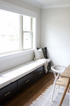 long window bench made with kitchen cabinets. How to create an extra long window in your dining room. This little breakfast nook was made possible with kitchen cabinets, plywood, and a window seat. Come on over this banquette seat in the dining room! Storage Bench Seating, Dining Bench With Storage, Dining Room Bench Seating, Dining Room Design, Window Seats With Storage, Bedroom Bench With Storage, Table Storage, Banquette Seating In Kitchen, Wall Bench