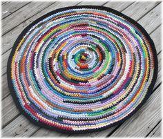 Recycled t-shirt yarn crochet rug