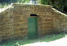 Ice House for food storage: Georgians / Regency - food facts - History cookbook - Cookit!