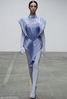 A New Renaissance, the Innovative Fashion of Jef Montes Space Fashion, Fashion Art, New Fashion, Runway Fashion, High Fashion, Fashion Show, Womens Fashion, Fashion Design, Fashion Trends