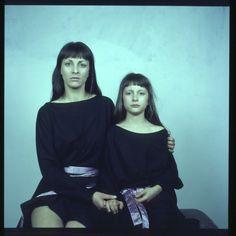 Čtecí šaty Mirka inspirované knihou Slečny navržené Janou Thálovou - Reading dress Mirka by Jana Thálová inspired by book Misses