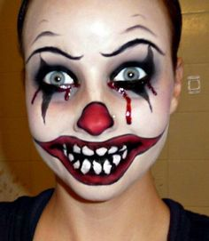 Halloween Series: Killer Clown Makeup Tutorial…This girl does AWESOME Halloween make up! Maquillage Halloween Clown, Clown Halloween, Scary Clown Costume, Gruseliger Clown, Maske Halloween, Scary Clown Makeup, Clown Faces, Halloween Makeup Looks, Halloween Office