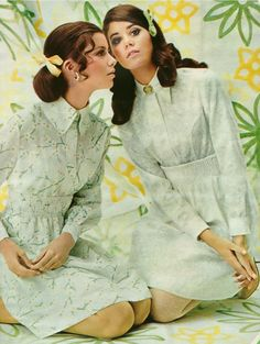 Doll like white shirt dresses paired with equally charming, girly hairstyles… Colleen Corby, Girly Hairstyles, Vintage Outfits, Vintage Fashion, Vintage Clothing, Androgynous Look, Seventeen Magazine, Sixties Fashion, History