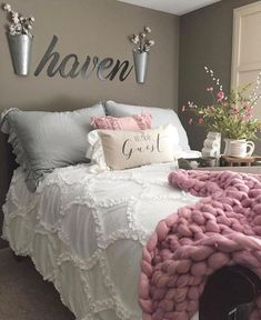 Bedroom Ideas Eye catching examples and suggestions for that dreamy home decor bedroom cozy Bedroom Decor Suggestion shared on 20190214 Girl Bedroom Designs, Girls Bedroom, Awesome Bedrooms, Beautiful Bedrooms, Cozy Bedroom, Home Decor Bedroom, Farm Bedroom, Bedroom Inspo, Modern Bedroom