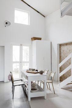 White kitchen with wood. #wood #kitchen #white