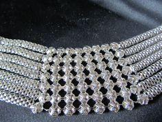 Een close up van de geplaatste armband