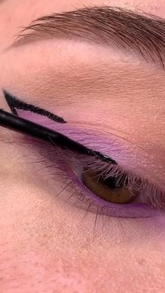 Edgy Makeup, Makeup Eye Looks, Eye Makeup Steps, Eye Makeup Art, Colorful Eye Makeup, Skin Makeup, Eyeshadow Makeup, Maquillage On Fleek, Make Up Designs