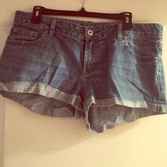 Jean American Eagle Shorts Size 14. Comfortable. Fitted. Size 14. American Eagle Outfitters Shorts Jean Shorts