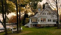 want this. sweeet small town home by a lake <3
