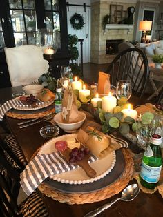 Creating A Beautiful & Simple Dinner Party - Hip & Humble Style easy dinner party ideas, italian dinner party, pretty dinner party ideas, Dinner Party Table, Dessert Party, Dinner Room, Party Tables, Passion Deco, Dinner Themes, Dining Room Table, Dining Rooms, Tablescapes