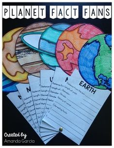 Planet Fact Fans This fun STEAM project allows students to research the planets, sun, and moon, displa Elementary Science Classroom, School Science Projects, Science Classroom Decorations, Classroom Projects, Middle School Science, Classroom Displays, Classroom Setup, 4th Grade Science Lessons, Second Grade Science