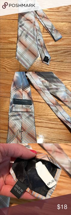 Perry Ellis Portfolio men's tie Great combination of colors From smoke and pet free home.  Bundle and save. Perry Ellis Portfolio Other