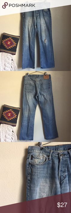 Abercrombie & Fitch distressed jeans Men's Abercrombie & Fitch distressed jeans. Light wash. Low rise, bootcut. Classic 5 pocket jean. In great condition. Good quality jeans. Size 30x32. Abercrombie & Fitch Jeans Bootcut