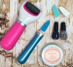 Amope Pedi Perfect Extra Coarse foot file and electronic nail care system are perfect for at home pedicures. #IC #ad