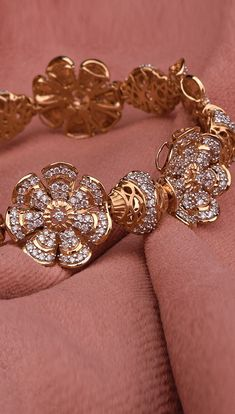 Discover our exquisitely crafted gold and diamond jewellery collection, where each design is an epitome of artistry. Gold Wedding Jewelry, Bridal Jewelry, Gold Jewelry, Ankle Jewelry, Jewelry Sites, Bollywood Jewelry, Gold Jewellery Design, Bracelet Designs, Crystal Jewelry