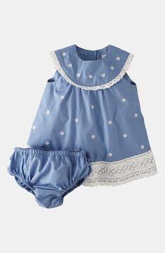 Mini Boden 'Crochet Trim' Dress & Bloomers (Infant) disponível na loja Baby Boo. Desconto disponível em www.promofans.pt/