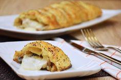 Lo strudel salato alla boscaiola unisce degli ingredienti che insieme danno vita ad un tripudio di sapori. Ecco come prepararlo