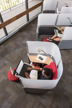 With the help of Brody WorkLounge, The University of Arizona was able to create a sense of privacy for students to get their work done.
