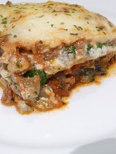 Lasagnaaa!!! With spinach so my beloved kamfret can eat some vegetables! ;-p