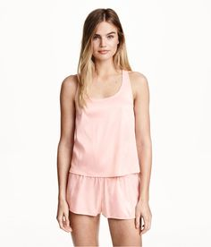 How luxurious is this satin tank top & short set in delicate pink? | H&M Pastels