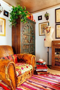 Bohemian room decor inspiration that makes you wish it was Springtime!