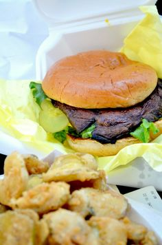 Portobello Mushroom Burger & Fried Pickles! Vegans don't just eat rabbit food :)  #vegan #veganfood #food #fastfood #healthyjunkfood #crueltyfree #tasty