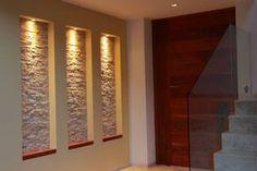 Niches Murales: 13 Super idées à Copier ! Halls, Dream Decor, Candle Sconces, Decorative Items, Modern Decor, Decoration, Home Remodeling, Wall Lights, Stairs