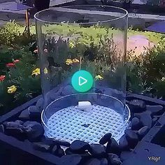 Take A Look At These Organic Gardening Tips! Yard Water Fountains, Water Fountain Design, Modern Fountain, Diy Garden Fountains, Diy Fountain, Indoor Fountain, Modern Water Feature, Backyard Water Feature, Ponds Backyard