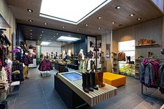banca display vitrina  Timberland by Dalziel and Pow London