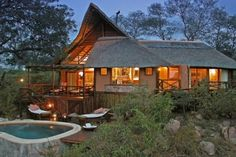 Hotel & Lodges in the Greater Kruger Park Area - South Africa. Explore Africa and enjoy a luxury safari holiday. National Park Tours, Kruger National Park, National Parks, Ecuador, Alaska, Game Lodge, Vernacular Architecture, Beautiful Pools, Rock Pools