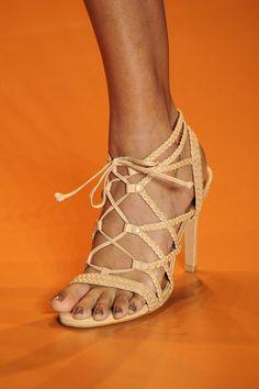 Sapatos Aguarela: Água de Coco por Liana Thomaz