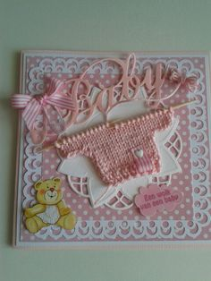 WOW - I wish I could knit so I could make this.... ADORABLE!!!  Babykaart met roze truitje.
