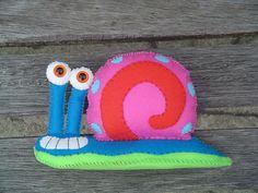 ARTE COM QUIANE - Paps,Moldes,E.V.A,Feltro,Costuras,Fofuchas 3D: Gary feito de feltro (personagem do desenho Bob Esponja)