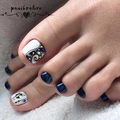 Toenail art designs with gemstones and rhinestones Image 2 - Diy Nail Designs Pretty Toe Nails, Cute Toe Nails, Toe Nail Art, Diy Nails, Pretty Pedicures, Toenail Art Designs, Pedicure Designs, Manicure E Pedicure, Stylish Nails