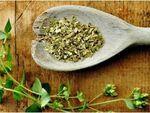 Olio di tea tree: un olio adatto a diversi usi: per il trattamento della pelle e delle ferite, per aiutare il sistema immunitario, per contrastare i dolori. Ecco 45 utilizzi....