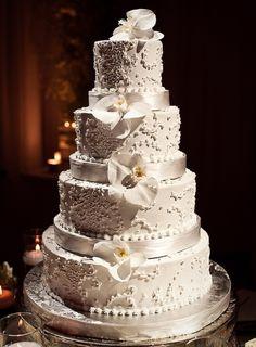 Unique, Chic and Romantic Wedding Cakes We Love. http://www.modwedding.com/2014/02/23/unique-wedding-cakes-we-love/